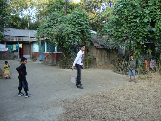 I'm playing badminton